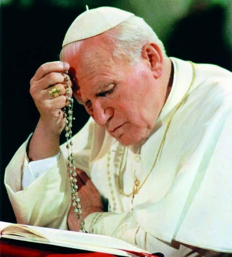 15 ans après sa mort, qu'est-ce qu'il faut retenir du Pape Jean-Paul II ?