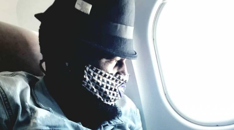 "L'artiste Jc Kibombo en cheval entre Kinshasa et Brazzaville pour finaliser ""Feu de Camp"""