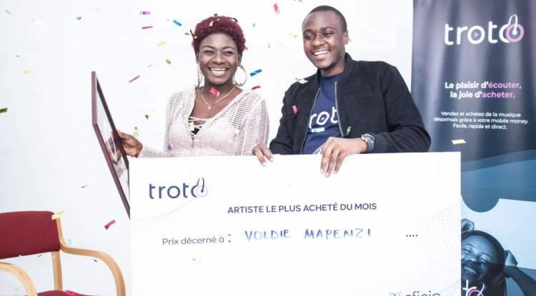 Voldie Mapenzi gagne le prix de l'artiste la plus achetée du mois de juin sur Troto