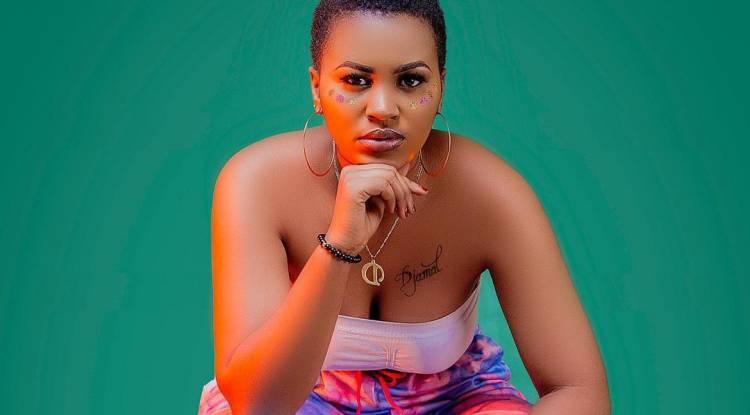 Maquillée comme pas possible, Déborah Nzariturande intéresse les internautes