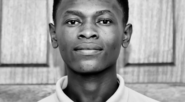 Azga Designer , un jeune Congolais réputé polyvalent !