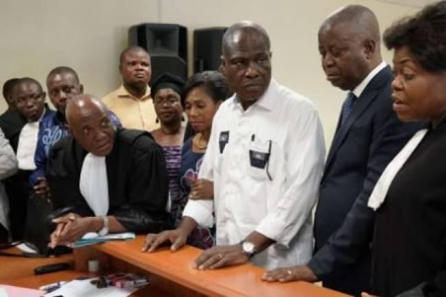 MARTIN FAYULU S'AUTOPROCLAME « SEUL PRÉSIDENT LÉGITIME » DE LA RDC