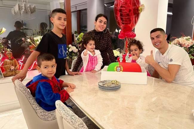 Sur la vie privée et amoureuse de Cristiano Ronaldo