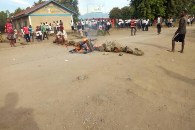 À Rutshuru, un écolier tué par balle lors d'une répression policière contre une manifestation pacifique