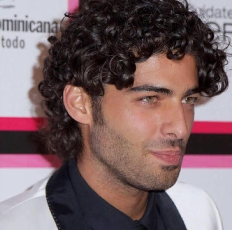 Découvrez l'artiste américain Jason Canela le frère de Jencarlos Canela