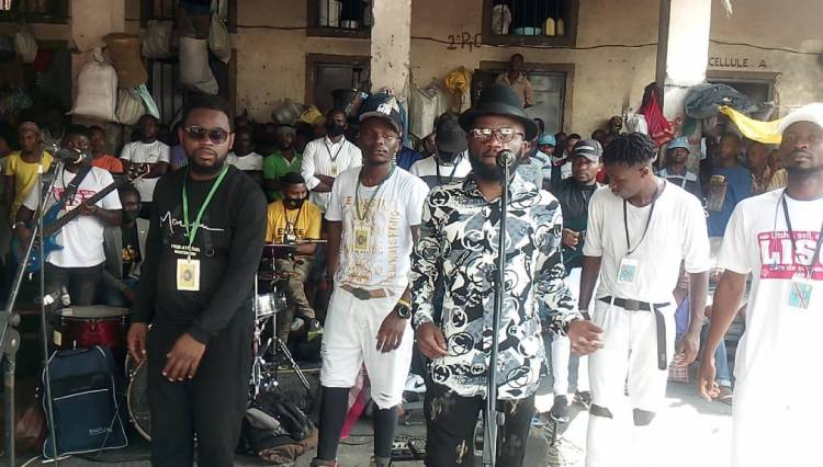 "Jc Kibombo en ""One showman"" en prison Centrale Munzenze de Goma !"