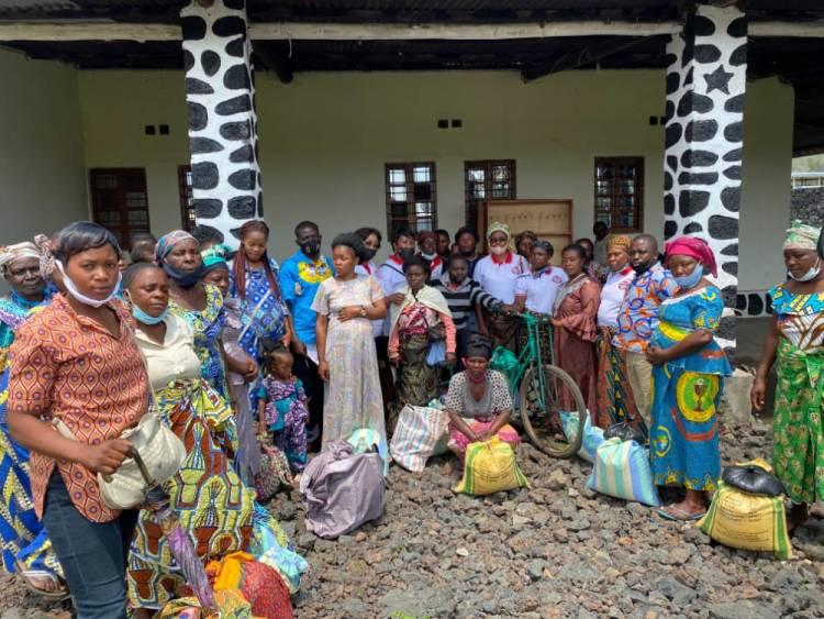 Retour sur l'acte charitable posé par Junior Kabiona aux sinistrés de Nyiragongo