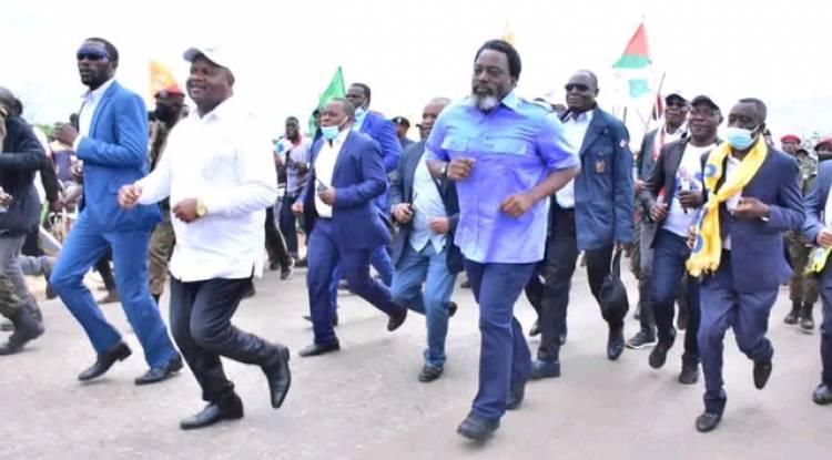 Des révélations graves de Barnabé Kikaya sur le complot contre Joseph Kabila