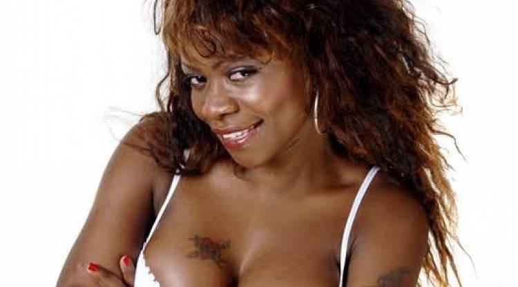 Coup d'œil sur Jessica Kiil, artiste chanteuse et Philanthrope Congolaise...