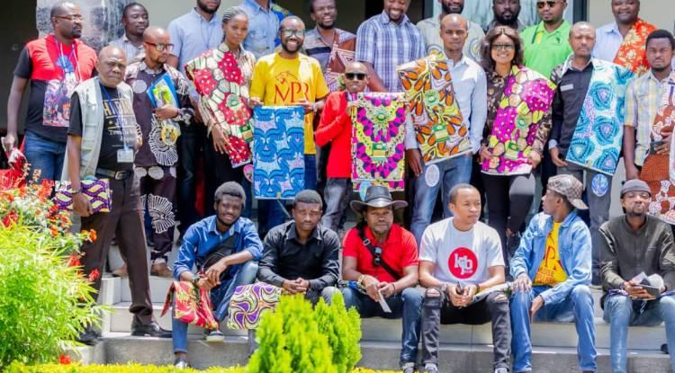 Jérémie Safari clôture le mois de la femme donnant sourire à la presse et aux motards de Goma