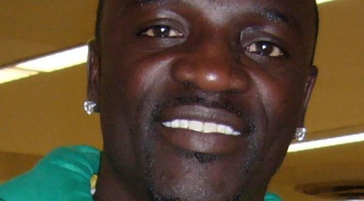 Akon: 48 ans d'âge, entre musique et homme d'affaires, aussi polygame...