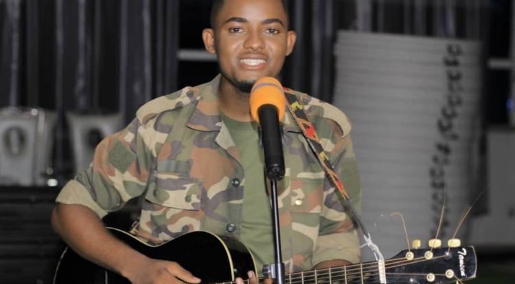 Top 5 des cantiques les plus vus sur YouTube du chantre Jean Mukendi