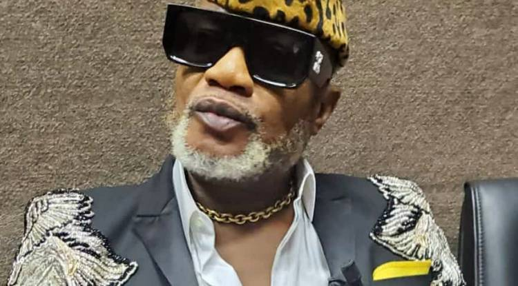 Koffi Olomidé, de nouveau face à la justice française, de quoi est-il accusé ?