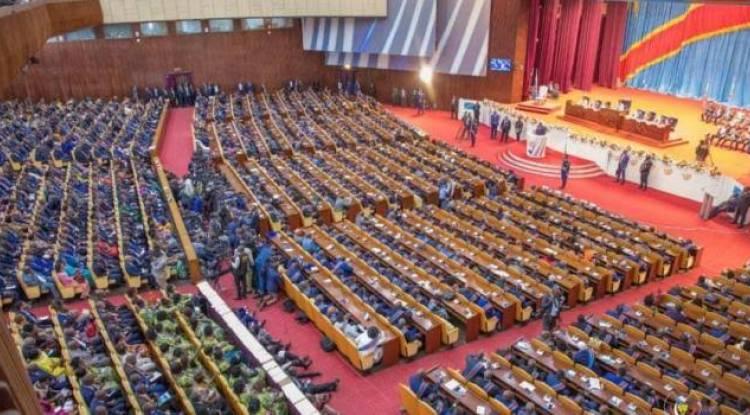 Affaire RAM : pas de compromis dans l'Union sacrée, les députés rejettent les propositions de Mboso et Kabund tendant à protéger Kibasa et la taxe