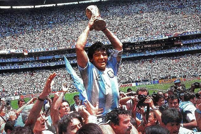 Urgent !!! Diego Maradona est décédé !