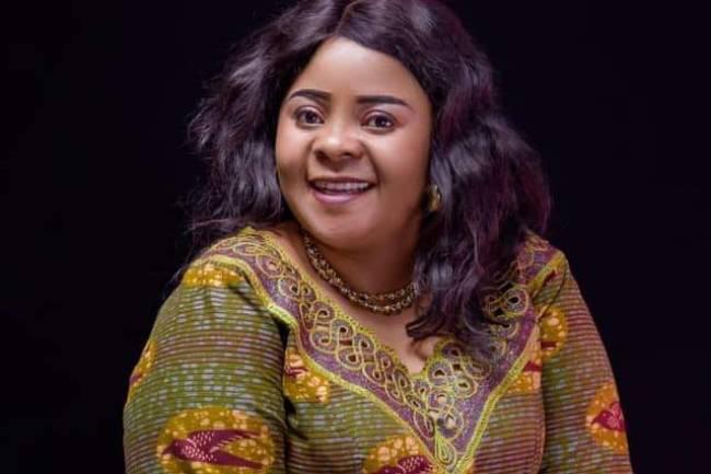 Découvrez qui est Olivine Furaha, l'une des chantreresses du Kivu les plus vues sur YouTube