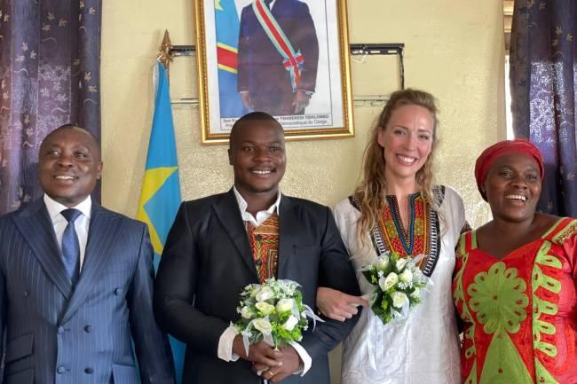 L'artiste Blackman Bausi s'est officiellement marié à Jennifer Maombi !