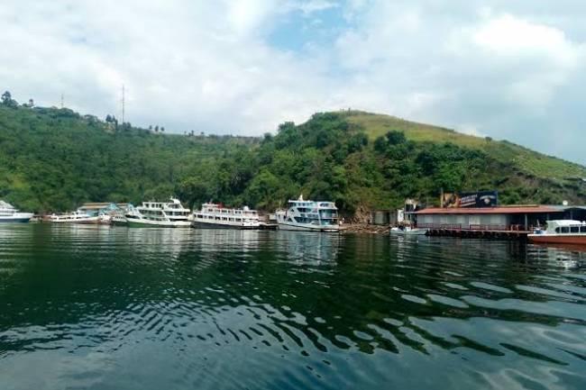 """Qu'est ce qu'un lac """"méromictique"""" dont le lac Kivu en fait partie ?"""