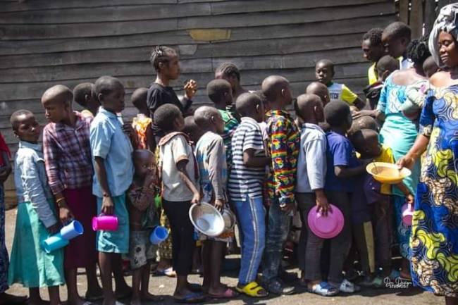 """Le Photographe Diamant Noir Design s'interroge : """"C'est quoi l'avenir pour les enfants sinistrés déplacés à Sake et ailleurs ?"""""""