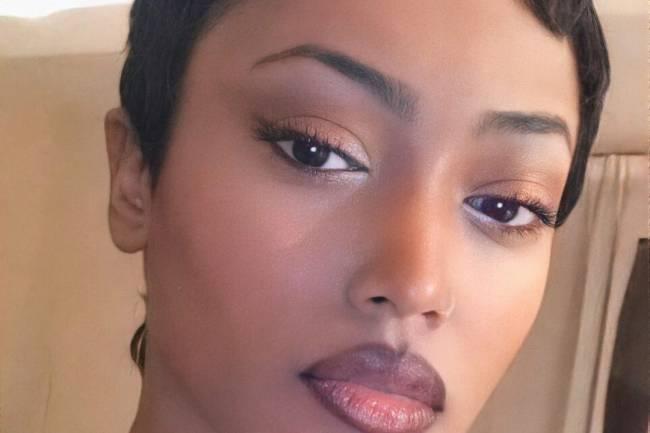 Nièce de Youssoupha, Petite fille de Tabu Ley, voici la biographie et le parcours de la rappeuse Shay