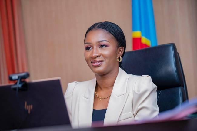 Coup d'œil sur Aminata Namasia, la jeune femme politique congolaise militant en faveur de l'éducation des jeunes filles