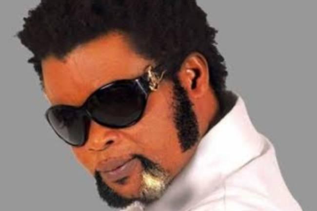 De parolier à écrivain via artiste musicien, tout savoir sur le parcours de Félix Wazekwa