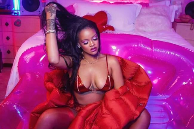 Rihanna présente le cadeau de la Saint-Valentin 2020
