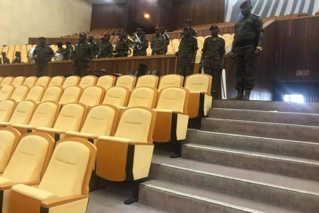 Dossier prestation de serment des nouveaux juges en RDC: Sur 338 députés FCC, 4 seulement n'ont pas obéi au mot d'ordre de Joseph Kabila